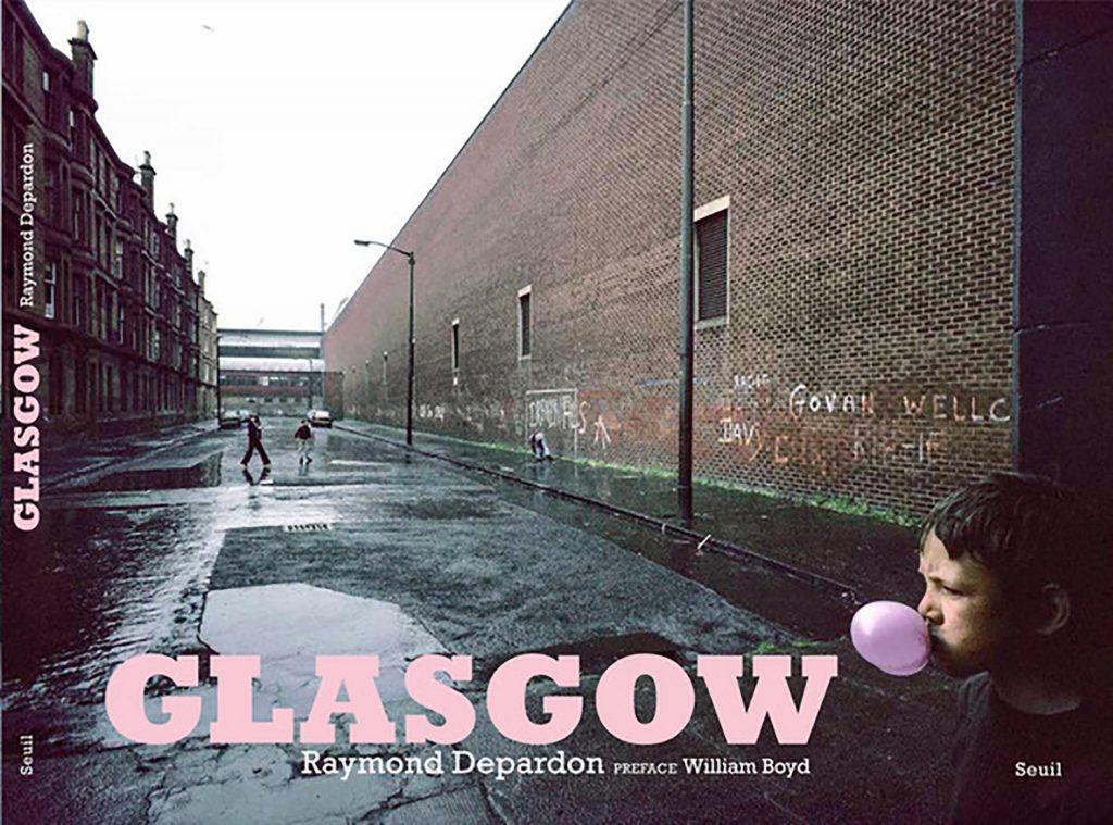 """Fotografía © Raymond Depardon. Tapa del Libro """"Glasgow""""."""