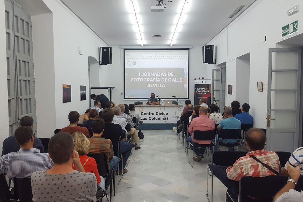 Jornadas de Fotografía de Calle por QuitarFotos y Photocertamen en Sevilla. Charla David Salcedo. Centro Cívico Casa de Las Columnas.
