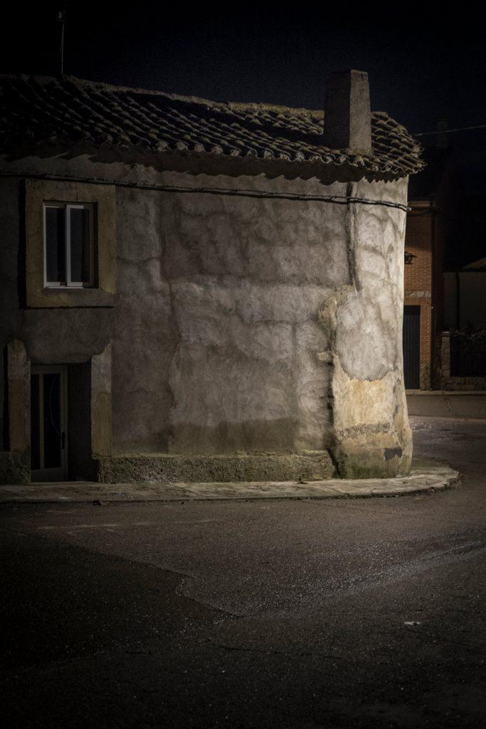 """Fotografía © Joselure, de la Serie """"Cielosnegros""""."""