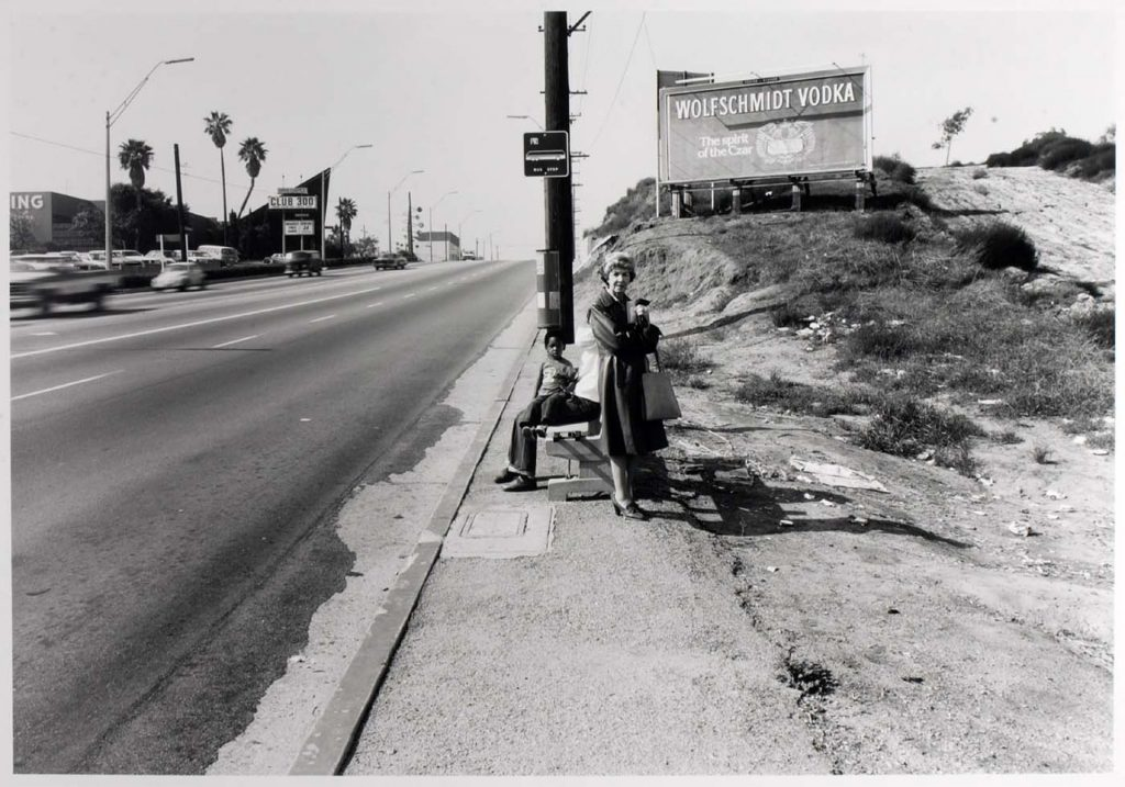 Fotografía © Anthony Hernandez, Los Angeles Transit Areas, 1975